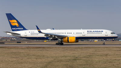 A picture of TFFIV - Boeing 757208 - Icelandair - © Mauro Cassaro