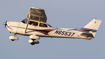 N65537 - Cessna 172S Skyhawk SP - Private