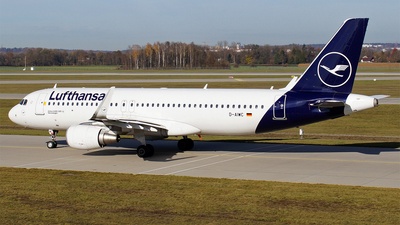 A picture of DAIWC - Airbus A320214 - Lufthansa - © Hugo Schwarzer