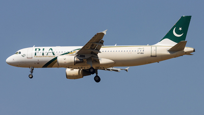 AP-BMX - Airbus A320-214 - Pakistan International Airlines (PIA)