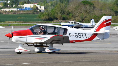 F-GSTT - Robin DR400/120 - Private