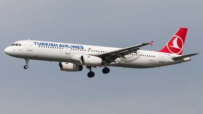 TC-JMN - Airbus A321-231 - Turkish Airlines