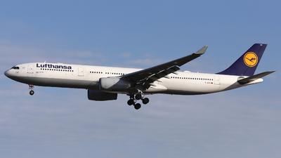A picture of DAIKK - Airbus A330343 - Lufthansa - © Domi Einert