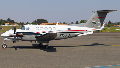 PR-AJT - Beechcraft B200 Super King Air - Private