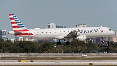 A picture of N186US - Airbus A321211 - American Airlines - © Mark Lawrence