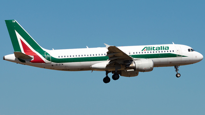 A picture of EIDTM - Airbus A320216 - Italia Trasporto Aereo - © Daniel Veronesi - RomeAviationSpotters