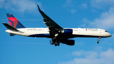 N820DX - Boeing 757-26D - Delta Air Lines
