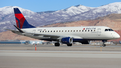 A picture of N281SY - Embraer E175LR - Delta Air Lines - © Ethan Peters
