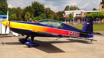 D-EXGH - Extra 300L - Private
