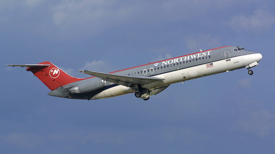 N606NW - McDonnell Douglas DC-9-32 - Northwest Airlines