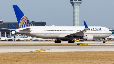 A picture of N685UA - Boeing 7673CB(ER) - United Airlines - © Martin Pinnau