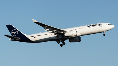 A picture of DAIKQ - Airbus A330343 - Lufthansa - © Thierry Weber