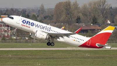 A picture of ECNFZ - Airbus A320251N - Iberia - © Martin Mortensen