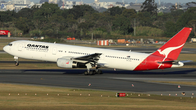 VH-ZXD - Boeing 767-336(ER) - Qantas