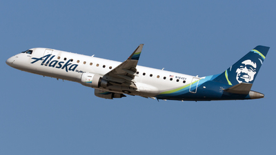 A picture of N184SY - Embraer E175LR - Alaska Airlines - © William Vignes