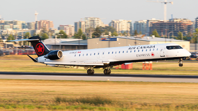 C-FKJZ - Bombardier CRJ-705LR - Air Canada Express (Jazz Aviation)