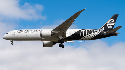 A picture of ZKNZR - Boeing 7879 Dreamliner - Air New Zealand - © Andrew Lesty