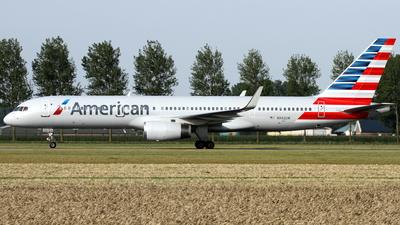 N942UW - Boeing 757-2B7 - American Airlines