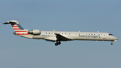 A picture of N935LR - Mitsubishi CRJ900ER - American Airlines - © DJ Reed - OPShots Photo Team