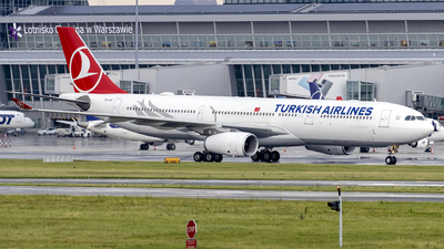 A picture of TCLOF - Airbus A330343 - Turkish Airlines - © Grzesiek Krupa
