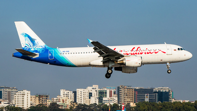 8Q-IAN - Airbus A320-214 - Maldivian