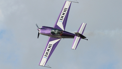 G-JJIL - Extra 300L - Private