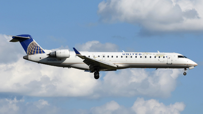 A picture of N506MJ - Mitsubishi CRJ701ER - United Airlines - © DJ Reed - OPShots Photo Team
