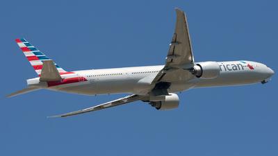 N735AT - Boeing 777-323ER - American Airlines