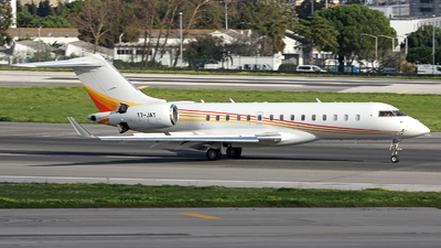T7-JAT - Bombardier BD-700-1A10 Global Express XRS - Private