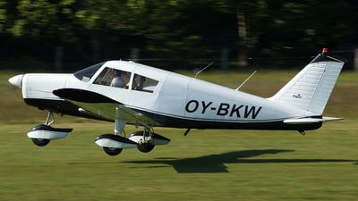 OY-BKW - Piper PA-28-140 Cherokee B - Private