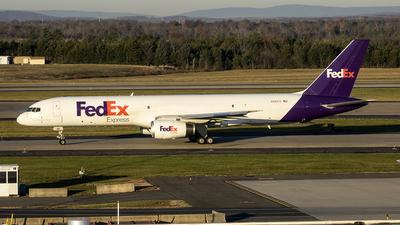 A picture of N961FD - Boeing 7572Y0(SF) - FedEx - © Yan777