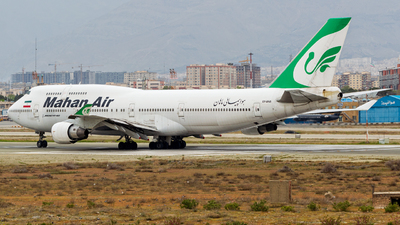 A picture of EPMNB - Boeing 747422 - Mahan Air - © Mohammad Rozve
