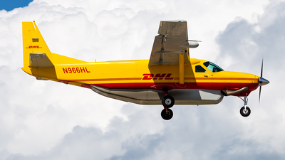 A picture of N966HL - Cessna 208B Super Cargomaster - DHL - © Brandon Giacomin