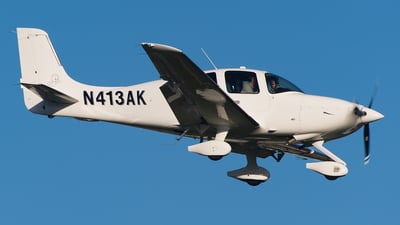 A picture of N413AK - Cirrus SR22 - [4429] - © SpotterPowwwiii