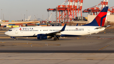 A picture of N383DN - Boeing 737832 - Delta Air Lines - © Oliver Richter