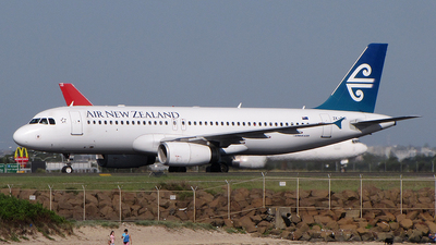 ZK-OJI - Airbus A320-232 - Air New Zealand