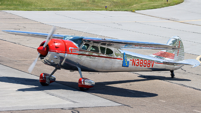 N3898V - Cessna 195 - Private