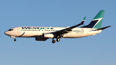 A picture of CGWUX - Boeing 7378CT - WestJet - © Guy Langlois