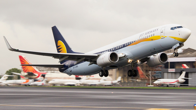 VT-JFG - Boeing 737-8AL - Jet Airways