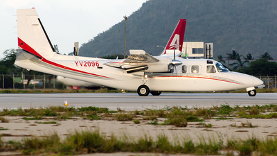 A picture of YV2096 - Rockwell 690B Turbo Commander - [690B11358] - © Nito