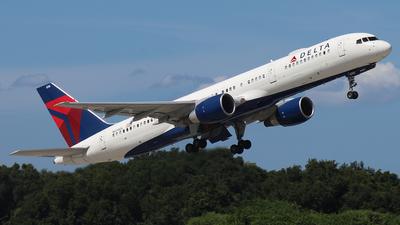 N698DL - Boeing 757-232 - Delta Air Lines