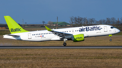 A picture of YLCSE - Airbus A220300 - Air Baltic - © Chris Jilli