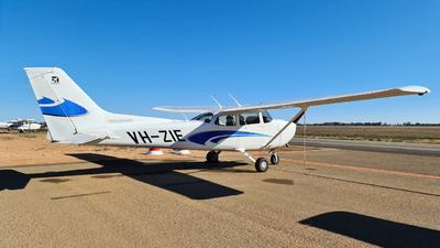 A picture of VHZIE - Cessna 172S Skyhawk SP - [172S12326] - © LIU ZF