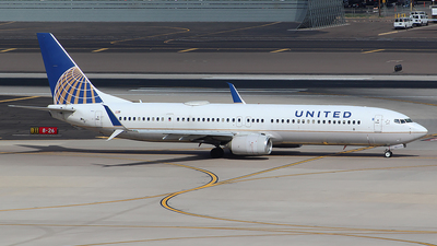 A picture of N67812 - Boeing 737924(ER) - United Airlines - © Alexander Aston