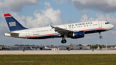 N105UW - Airbus A320-214 - US Airways