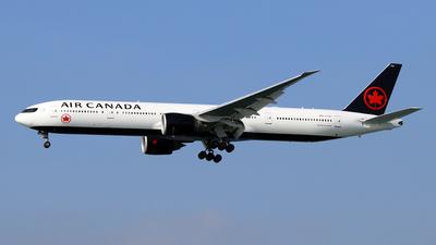 A picture of CFIUL - Boeing 777333(ER) - Air Canada - © Jubilant Chan - AHKGAP