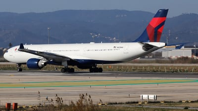 N813NW - Airbus A330-323 - Delta Air Lines