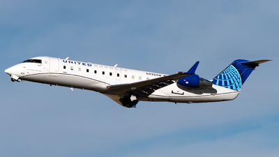 A picture of N432SW - Mitsubishi CRJ200LR - United Airlines - © Michael Place
