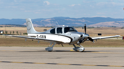 A picture of CGXUW - Cirrus SR22T - [0384] - © Mike MacKinnon