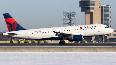 A picture of N367NW - Airbus A320212 - Delta Air Lines - © John Newsome